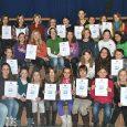 """Wie kann man Kaugummi selbst herstellen? Das war eine der Aufgaben der neuen Runde des diesjährigen Landeswettbewerbs für die Klassen 5 bis 10 """"Experimente antworten"""". Motiviert von den Erfolgen der Vorjahre bearbeiteten 50 Schülerinnen der..."""