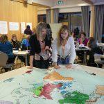 Schülerinnen beim Planspiel Internationale Politik
