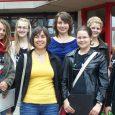 """Die sog. """"Cambridge-Prüfungen"""" werden nun schon im neunten Jahr am Elly-Heuss-Gymnasium vorbereitet und mit sehr erfreulichen Ergebnissen durchgeführt. Auch diesmal erzielten Schülerinnen die Traumnote A, die Englischkenntnisse auf höchstem Niveau bescheinigt. Die erfolgreichen Kandidatinnen waren:..."""