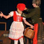 Rotkäppchen: Stress mit der Mama  (Rosalia Eckl und  Judith Bodacs)