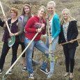 Die Comenius-Projektgruppe des Elly-Heuss-Gymnasiums startet ins zweite Jahr. Die 20 Schülerinnen aus den Jahrgangsstufen 10 und 11 arbeiten weiter in internationalen Gruppen am Thema Energiewende. Im ersten Projektjahr analysierten sie mit Schülern aus den Niederlanden,...