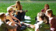 An einem idyllischen Plätzchen in Windischeschenbach befindet sich die Stützelvilla, in der man vom 17.06.-19.06. aus allen Ecken und Enden des Hauses sowie des Gartens Musik vernehmen konnte. Denn die Elly-Schülerinnen hatten in diesen drei...