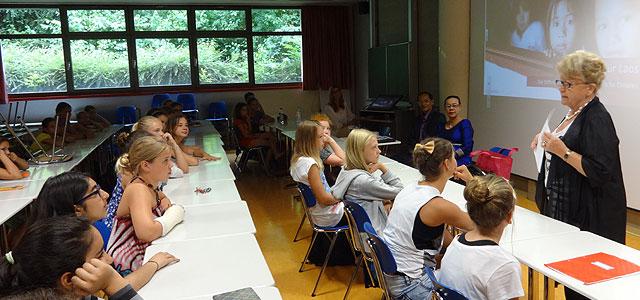 Dass in verschiedenen Schulen dieser Welt der Alltag anders aussieht als bei uns, das erfuhr die Klasse 6a an einem Juli-Schultag sehr eindrucksvoll. Zu Besuch an unserer Schule waren nämlich außergewöhnliche Gäste, die sich allesamt...
