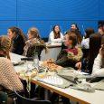 Mag sein, dass die Zehntklässlerinnen durch die starke Betonung des sozialwissenschaftlichen Ausbildungszweiges am EHG schon etwas mehr über den politischen Prozess in Deutschland wissen als andere, aber dem örtlichen Abgeordneten persönlich an seinem Berliner Arbeitsplatz...