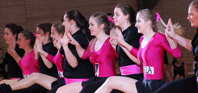Als das Elly zum Bezirksfinale Tanz am 07.04.2016 fuhr, fehlten im Weidener Mädchengymnasium 120 Schülerinnen. Alles tanzbegeisterte Mädchen, die in verschiedenen Wahlkursen ihrem Hobby nachgehen können. Das breite Angebot des Elly spiegelte sich in den...