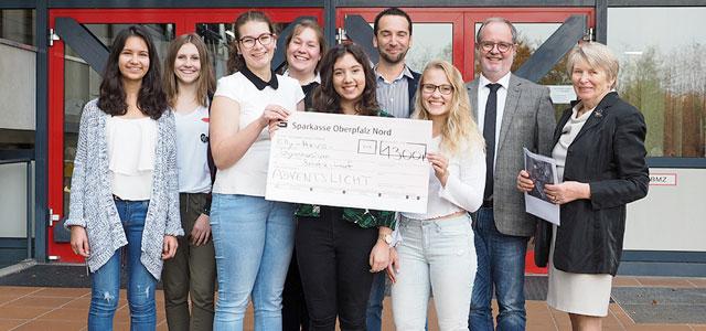 Am 24.07.2017 fand nun schon zum dritten Mal der Benefizlauf der Jahrgangsstufen 5 bis 10 des Elly-Heuss-Gymnasiums statt. Dazu liefen die Schülerinnen 300m lange Runden und kamen somit auf einen Spendenbetrag von 1300 €. Der...
